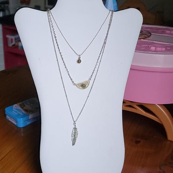 Three teir long necklace